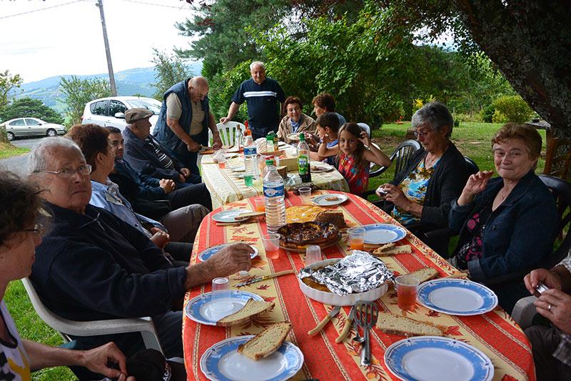 club-des-aines-lanteuil-repas