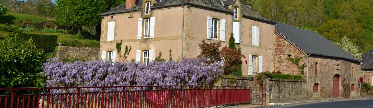 lanteuil-paysage-bourg-maison-pierre-correze